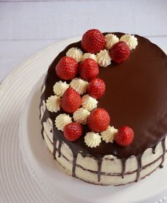 Epres-mascarponés brownie torta – csurgatva, félig pucéran | Sweet & Crazy Other Recipes, Mousse, Birthday Cake, Sweets, Cooking, Cakes, Dress Ideas, Foods, Drink