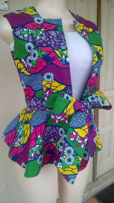 Ankara Blouse, Ankara Tops, African Tops, African Wear, African Lace Dresses, African Fashion Dresses, African Fashion Traditional, Classy Work Outfits, Africans