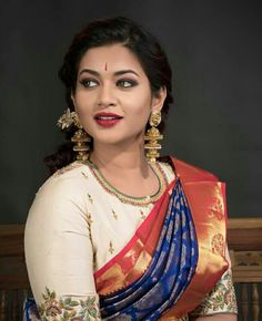 with · · · Creme themed Rawsilk blouse paired with sizzling navy blue Kancheevaram saree from… Navy Blue Blouse, Green Saree, Traditional Looks, Cotton Blouses, Indian Wear, Blouse Designs, Sari, Bride, Girls
