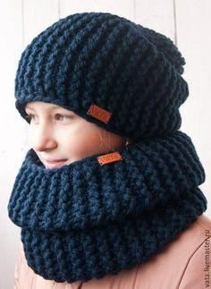 Купить или заказать Вязаная шапка и снуд из толстой пряжи в интернет-магазине на Ярмарке Мастеров. Вязаная шапка и снуд из толстой пряжи связаны вручную. Этот комплект очень мягкий и объемный. Шапку можно носить с отворотом, также шапку можно дополнить большим помпоном из натурального мех. Снуд в один оборот, но достаточно объемный и высокий, его можно тоже носить как с отворотом, так и просто как на фото. Высота снуда позволяет закрыть полностью все лицо, если будет дуть холодный ветер.