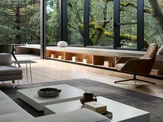 wohnbereich couch couchtisch sitzmöbel glasfront hoch natur #traumhäuser #unique #facade #dreamhome