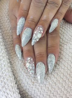 Silver glitter stiletto gel nails