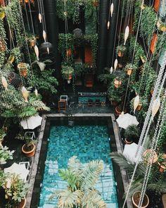 🏊🏻♂️ The courtyard pool at Manon Les Suites in Copenhagen — #copenhagen #manonlessuites #hotels #travelgram