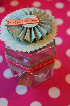 Gift glass jar tutorial, make them love themed and fill them with heart shaped candy ♥
