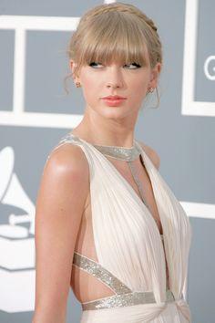 Taylor Swift A Beauty Queen Taylor Swift Country, Long Live Taylor Swift, Taylor Swift Hot, Taylor Swift Style, Taylor Swift Pictures, Red Taylor, Taylor Swift Vestidos, Tyler Swift, Miss Americana