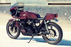 #Honda CB750 K2 Black Heart ~ Red Carbon Fibre Kevlar creation from KG Cycles