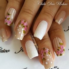 Unhas decoradas com vintage floral Glitter Gel Nails, Rose Nails, Flower Nails, New Nail Designs, Nail Designs Spring, Nail Art Modele, Almond Nail Art, Nail Effects, Modern Nails