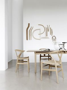 Y-Chair CH24 - Vitoljad Ek/Natur | Carl Hansen | Vålamagasinet