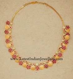 Ruby and Gold Kasu Necklace Gold Earrings Designs, Gold Jewellery Design, Necklace Designs, Gold Jewelry, Jewelery, Necklace Ideas, Gold Necklaces, Diamond Jewellery, Jewelry Sets