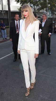 #TaylorSwift white pantsuit outfit  - DesignerzCentral