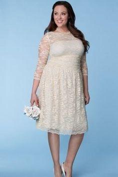 Lindo vestido de encaje para una boda o un evento #fashion #curvy