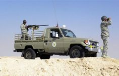 """اخبار اليمن الان عاجل - قصيدة ملحمية لجندي يمني والى جوارة جندي سعودي في جبهة الحدود """"فيديو"""""""