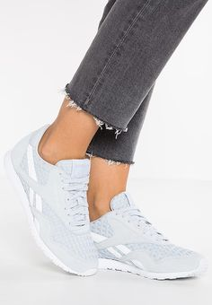 Reebok Classic CL NYLON SLIM ARCHITECT - Sneaker low - cloud grey/white für 69,95 € (17.03.17) versandkostenfrei bei Zalando bestellen.