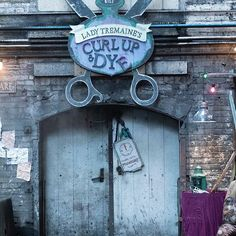 #Descendants2 takes fans deeper into the Isle of the Lost with new locations like Lady Tremaine's Curl Up & Dye, a hair salon that Dizzy, granddaughter of Lady Tremaine runs. #D2Deets