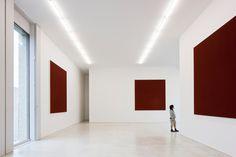 CFA Gallery Am Kupfergraben 10117 Berlin, Germany David Chipperfield Architects, Brick Columns, Bar Design Awards, Artwork Display, Architect Design, Store Design, Minimalism, Interior Design, Building