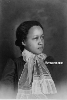 African American Woman W. Du Bois and the 1900 Paris Exhibition African American Authors, African American Women, African Americans, Vintage Photographs, Vintage Photos, Vintage Black Glamour, Norma Jeane, Black And White Portraits, African American History