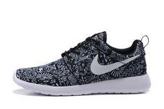 Nike Roshe Run Black White Runing Shoes #Nike #RunningCrossTraining
