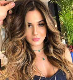 59 ideas hair color ideas for brunettes carmel blondes balayage Hair Lights, Light Hair, Hairstyles Haircuts, Pretty Hairstyles, Braided Hairstyles, Hairstyles Videos, School Hairstyles, Everyday Hairstyles, Formal Hairstyles