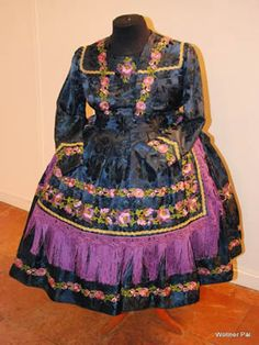 Folk Clothing, Hungary, Victorian, Culture, Embroidery, Clothes, Beautiful, Dresses, Fashion