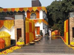 Desi Wedding Decor, Wedding Hall Decorations, Marriage Decoration, Diwali Decorations, Backdrop Decorations, Wedding Entrance, Wedding Ideas, Door Flower Decoration, Background Decoration