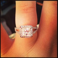 Love! Princess cut halo with a skinny double band