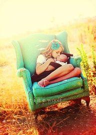 cute sibling photo idea