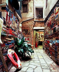 A bookshop in Venice