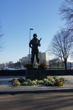 De Marinier op Oostplein