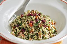 Fresh and flavourful, this salad combines the classic ingredients of tabbouleh - mint, parsley, garl Tabbouleh Recipe, Spinach Salad Recipes, Bean Salad Recipes, Soup Recipes, Kraft Foods, Kraft Recipes, Cooking Dishes, Cooking Recipes, Bulgur