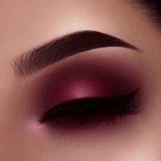 Eye Makeup Tips – How To Apply Eyeliner Makeup Eye Looks, Cute Makeup, Glam Makeup, Gorgeous Makeup, Makeup Inspo, Eyeshadow Makeup, Makeup Art, Makeup Inspiration, Hair Makeup
