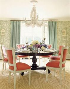 Charming dining room!!
