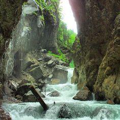 #partnachklamm #partnach #gorge #garmisch #partenkirchen #bayern #oberbayern #bavaria #bavarianalps #schlucht #klamm #Padgram