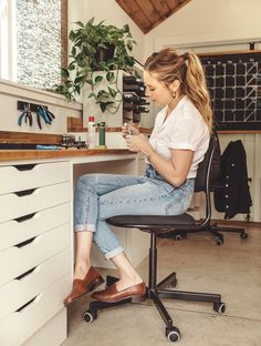 Inside The Custom Studio This Designer Built From The Ground Up Cute Lazy Outfits, Summer Outfits, Casual Outfits, Earthy Style, Perfect Wardrobe, Fashion Story, Personal Stylist, Work Casual, Home Outfit