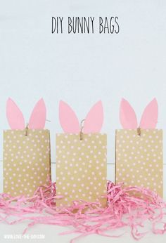 Easter is coming and there is no better way to celebrate than with these DIY Bunny Craft Bags! Easy to make and can be made in minutes! Tutorial on blog. MichaelsMakers Love The Day