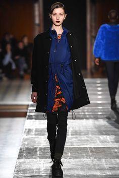 Julien David Fall 2015 Ready-to-Wear Collection Photos - Vogue Look Fashion, Runway Fashion, Fashion Show, Womens Fashion, Fashion Design, Paris Fashion, Fall Winter 2015, Autumn Summer, Julien David