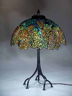 Laburnum Tiffany lamp