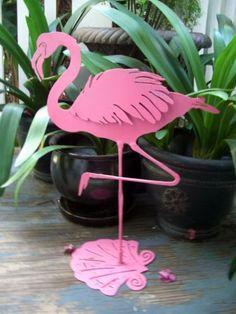 Metal-Vintage-Flamingo-Distressed-Pink-Finish-Deco-Garden-Sculptural-Art