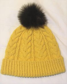 Ravelry: Hello Yellow pattern by Heidi Vaherla Yellow Pattern, Handicraft, Ravelry, Knitted Hats, Knitting Patterns, Winter Hats, Hoodies, Crochet, Koti