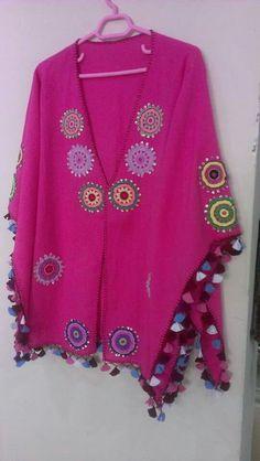 Crochet Blouse, Crochet Poncho, Hand Crochet, Beachwear Fashion, Boho Fashion, Crochet Clothes, Diy Clothes, Gilet Kimono, Embroidery Purse