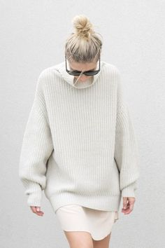 Style Right Now: Slouchy Sweaters with Skirts | StyleCarrot winter white