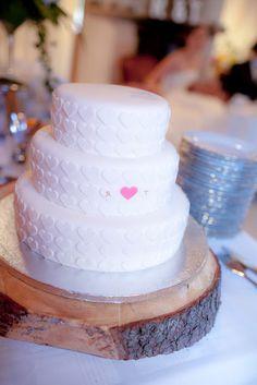 Wedding cake by Painted by cakes  Photo Petra Veikkola