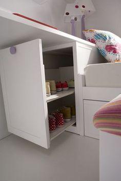 Detalle bajo escritorio. - #decoracion #homedecor #muebles