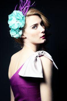 """Vestido bicolor asimétrico con lazo. Modelo Alena - """"Moments P/V"""" 2014 -Apparentia Collection . Tocado - Táneke"""