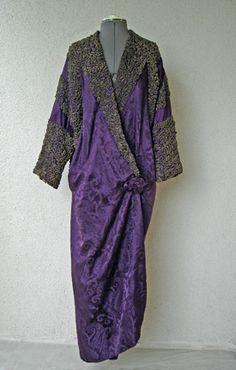 Vintage Coats Circa designed by Vitaldi Babani, beautiful purple coat Edwardian Dress, Edwardian Fashion, Vintage Fashion, Edwardian Era, Paul Poiret, Jeanne Lanvin, Madeleine Vionnet, Antique Clothing, Historical Clothing