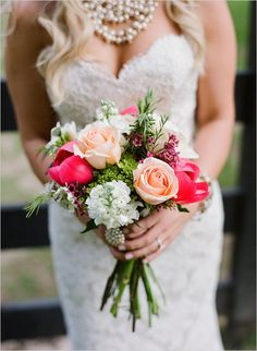 Small, simple, and beautiful wedding bouquet