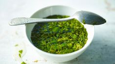 Real mint sauce - lovely homemade mint sauce will top off a lamb roast dinner! Mint Recipes, Lamb Recipes, Sauce Recipes, Cooking Recipes, Bbc Recipes, British Recipes, Retro Recipes, Veggie Recipes, Free Recipes