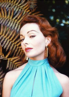 patricianeal:  Jeanne Crain photographed by Peter Basch