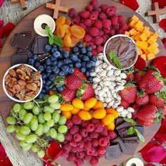Cozy Up with this Clean Eating Fruit & Cheese Platter and. - - I absolutely LOVE Valentine's Day! Party Food Platters, Food Trays, Cheese Platters, Fruit Platters, Fruit Snacks, Fun Fruit, Fruit Art, Fruit Slime, Fruit Dips