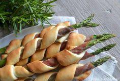 Indbagte asparges Tapas Recipes, Pureed Food Recipes, Snack Recipes, Picknick Snacks, Danish Food, Vegetable Dishes, Finger Foods, Food Dishes, Food Inspiration