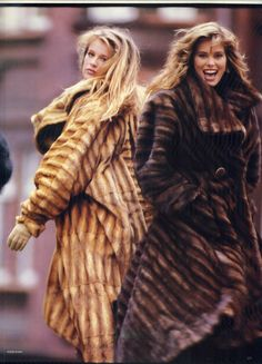 Vogue UK 1986 Frederique Van Der Wal and Renée Simonsen ph: Eddie Kohli Fur Fashion, Vogue Fashion, Fashion Photo, Fashion Models, Vogue Uk, Vintage Fur, Vintage Beauty, Vintage Fashion, Vintage Leather